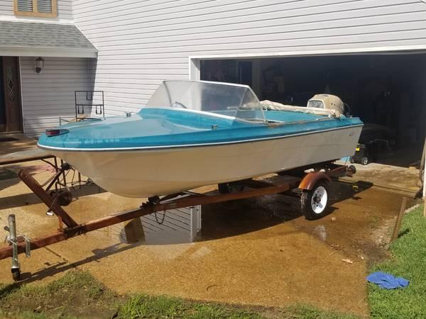 Photo 1964 Sears ski boat - $750 (Lakeland, TM)