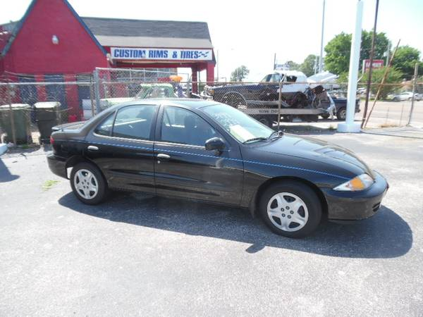 Photo 2001 Chevrolet Cavalier LS - NICE CAR - NICE PRICE - $1999 (MEMPHIS, TN)