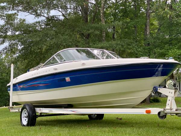 Photo 2006 Bayliner V-Hull 20ft Ski Boat - $9,900 (Fayette)