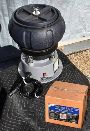 Photo 5 LB VIBRATORY TUMBLER with Media - $45 (Germantown, TN)