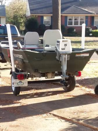 Photo Alumacraft 2009 15 x 40 Boat with Trlr , Evinrude 15 hp electric start - $2250 (Memphis)