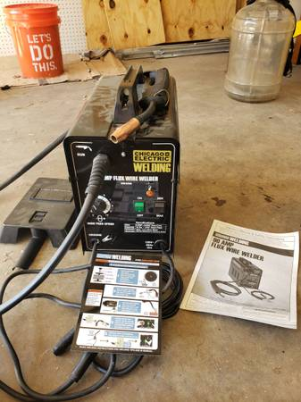 Photo Chicago Electric 90 Amp MIG Flux Core Welder with Shield  - $70 (Memphis)