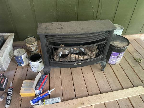 Photo Gas log stove - $300 (Shelby Forest)