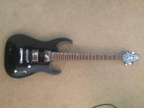 Photo Greg Bennett electric guitar (Bartlett)