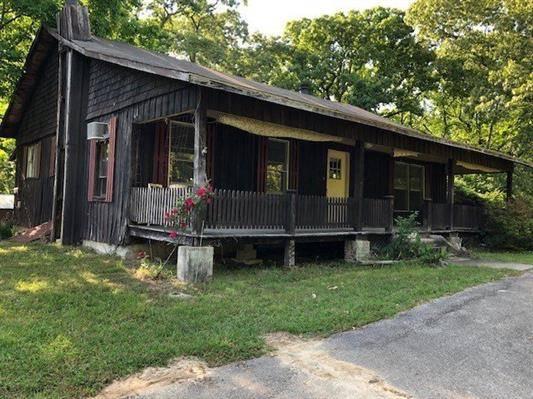 Photo HUGE PRICE REDUCTION 53ac Hunting, 1919 Farmhouse, Boarders Lake, TN (Lexington)
