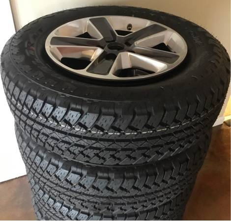 Photo Jeep wrangler wheels and tires less than 5 miles - $595