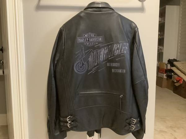 Photo Mens leather Harley jacket - $180 (Piperton)