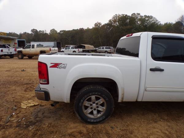 Photo PARTING OUT 2009 GMC SIERRA WITH 5.3 ENGINE  6L80 TRANSMISSION (Lamar)