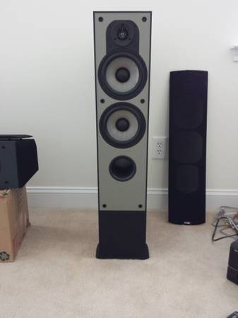 Photo Paradigm speakers and 2x12quot subwoofer - $700 (Memphis)