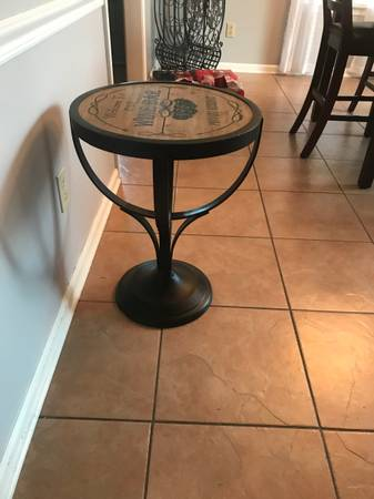 Photo Pier 1 round accent wine table - $40 (Olive branch)