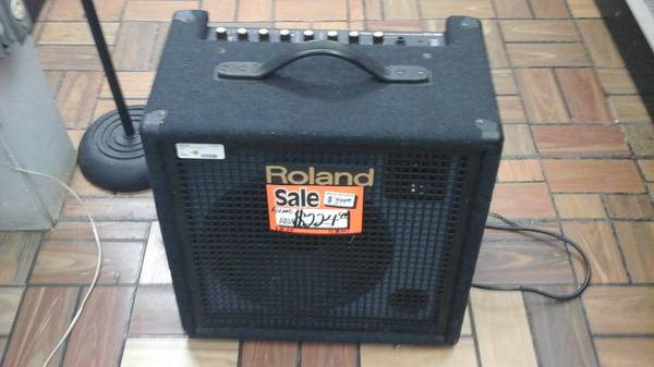 Photo Roland Keyboard Amp - $225 (3202 Jackson Ave)