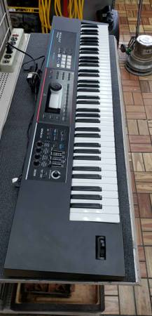 Photo Roland Keyboard Juno-Ds 76 Keys wCharger - $800