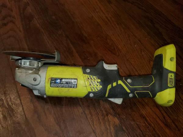 Photo Ryobi 18v cordless angle grinder - $50