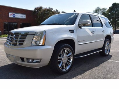 Photo Used 2007 Cadillac Escalade AWD w Climate Package for sale
