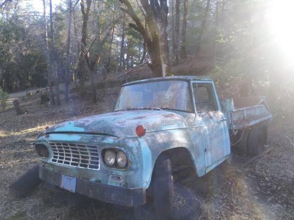 Photo 1964 International Truck Dually w hydraulic dump bed - $600