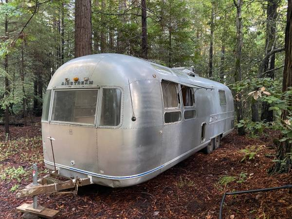 Photo 1970 Airstream international sovereign land yacht 31 feet - $14,000 (Point Arena)