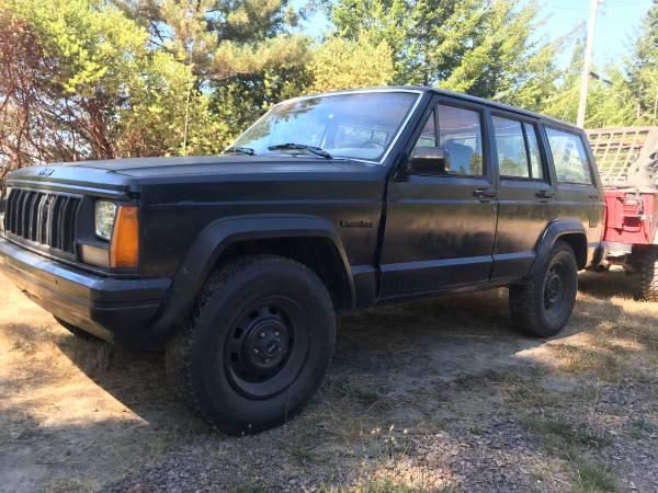 Photo 1989 Jeep Xj 4x4 4.0L 5 speed 140,xxx Great crawler OBO - $2500