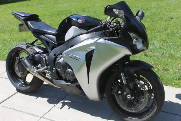Photo 2008 Honda CBR 1000RR - $6,500 (Sonoma)