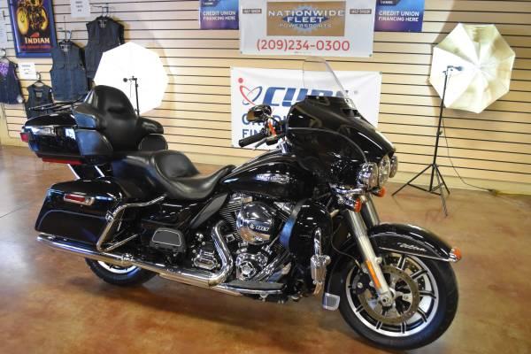 Photo 2015 Harley Davidson Electra Glide Ultra FLHTCU Touring New Trade In - $11,500 (Lathrop)