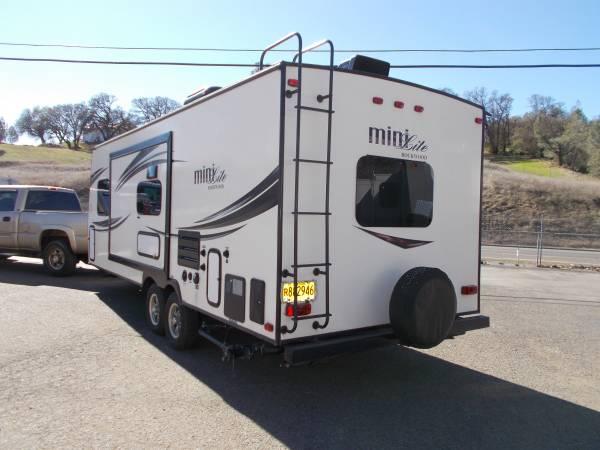 Photo 2015 Rockwood Mini-lite 2503S - $14900 (Lower Lake)