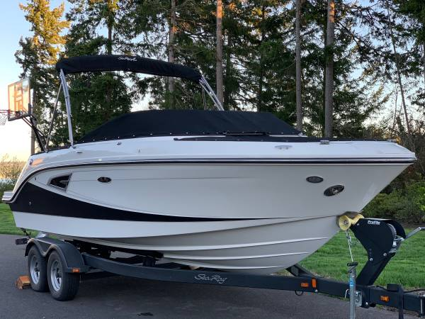 Photo 2018 Sea Ray SLX 230. 25 hours. Fresh water use only. - $95,000 - $95,000 (Gig Harbor)