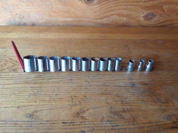 Photo CRAFTSMAN 12quot DRIVE SOCKET SET - $25 (Rancho Cordova)