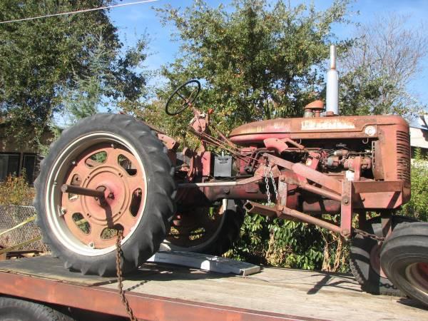 Photo Farmall Super C Tractor - $2,700 (Upper Lake)
