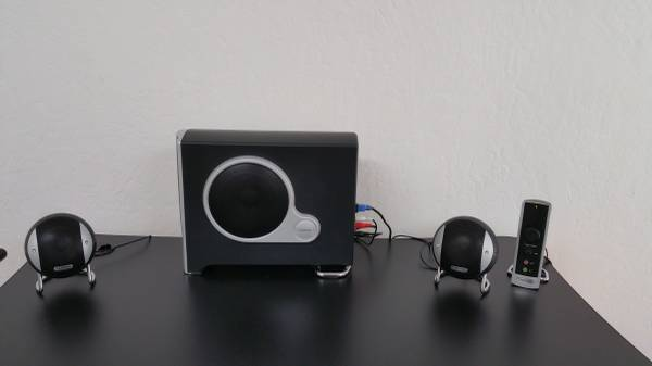 Gateway Desktop Speakers designed by Diamond Audio 2.1 Stereo Sound - $40 (Rancho Cordova)