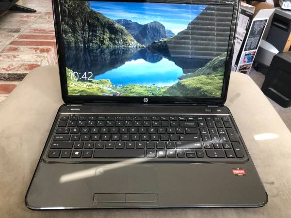 Photo HP 2000 15.6 Laptop - $200 (Citrus Heights)