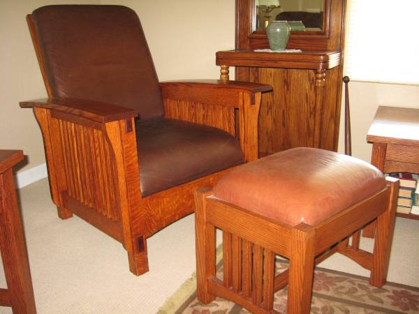 Photo Mission Style Chair  Ottoman - $800 (Redwood Valley)