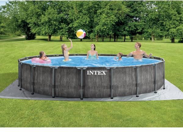 Photo NEW Intex Pool Round 18 x 4  2 Beach Chairs - $1,199 (Redding)