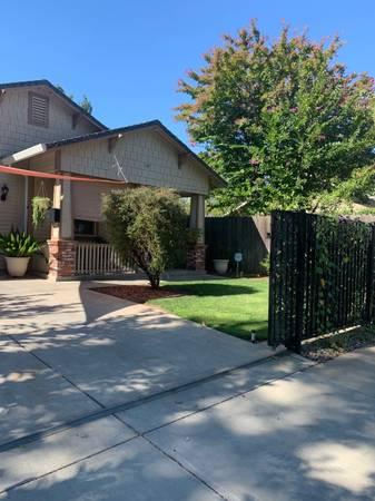 Photo Room For Rent 625.00 (Oak Park, Sacramento, CA)