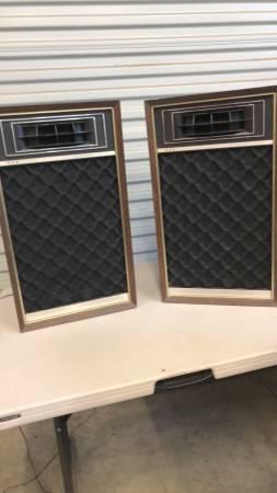Photo Vintage Air Suspension Speakers - $75 (Vacaville)