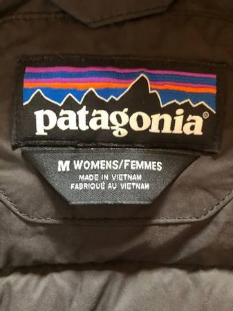 Photo Women39s Patagonia Silent Down Parka Jacket Medium NWOT - $200 (Willits)