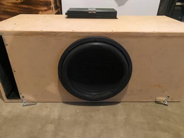 Photo 12-inch sub with box   - $350 (Merced)