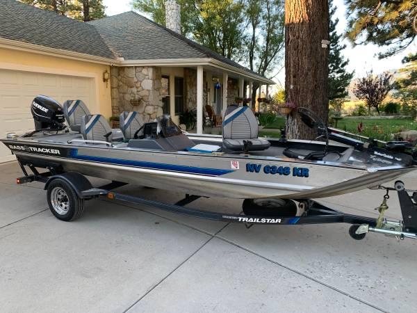 Photo 17 ft BASS TRACKER 50 hp Outboard - $10,900 (Carson City, NV)