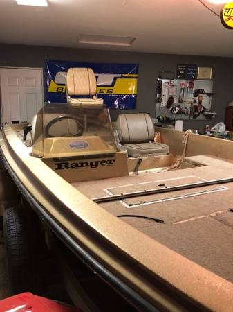 Photo 1987 RANGER 370v BASS BOAT WITH 200 HP JOHNSON - $5,000 (valley springs)