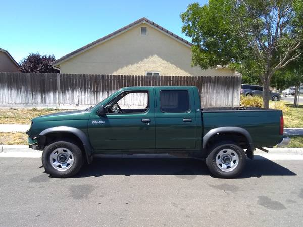 Photo 2000 Nissan Frontier Crew Cab 2wd V6 - $2500 (Los Banos)