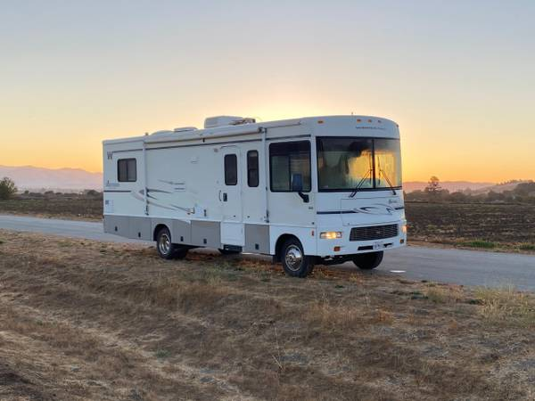 Photo 2004 Winnebago Sightseer 30B - $22,000 (Hollister)