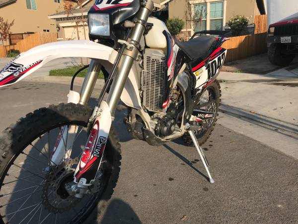 Photo 2008 Yamaha WR450F Street Legal - $6,000 (Tulare)