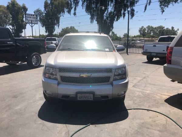 Photo 2011 Chevy z71 suburban 4x4 - $10,000 (Atwater)
