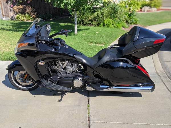 Photo 2011 Victory Vision 8-Ball - $6900 (Merced)