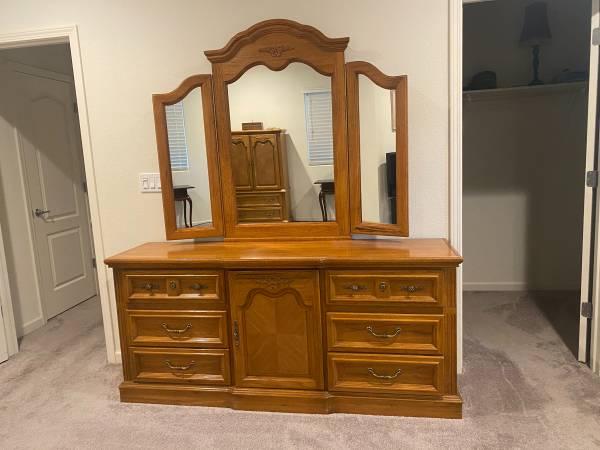 Photo 3 piece bedroom set - $250 (Los Banos)