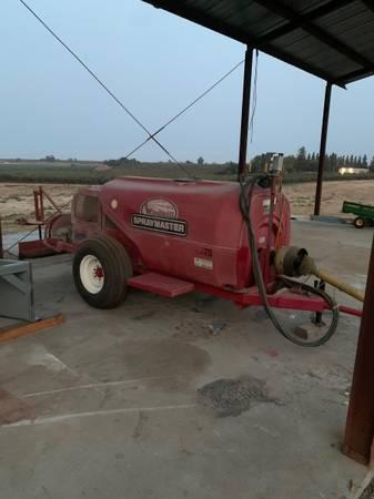 Photo 400 gallon sprayer - $5,500 (Cressey)