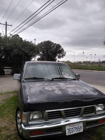 Photo 97 Nissan - $2400 (Los Banos)