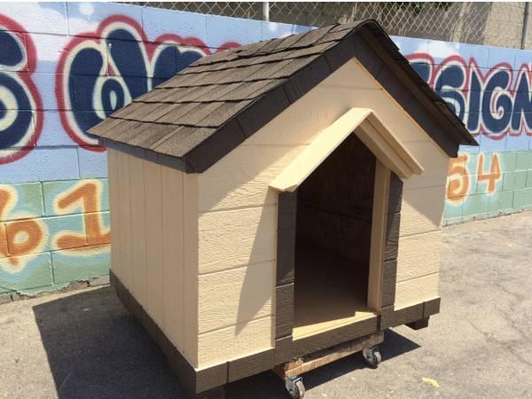 Photo Dog house with delivery - $450 (Fresno, Visalia, Tulare)