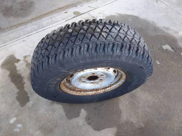 Photo Goodyear wrangler tire - $55 (los banos)