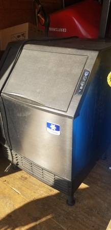 Photo Ice maker - $600 (Merced ca)
