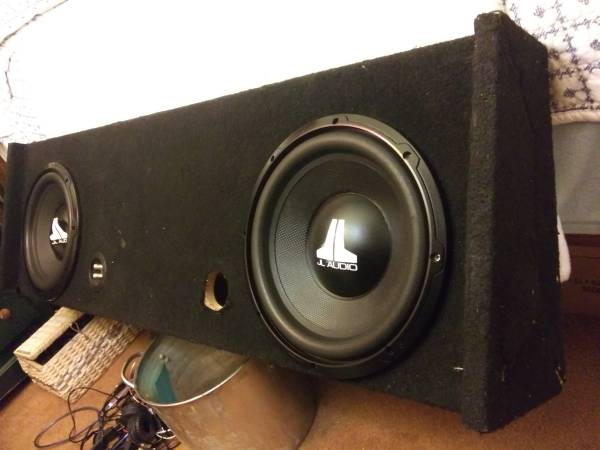 Photo JL audio subwoofers 12 inch in box - $150 (Dos palos)