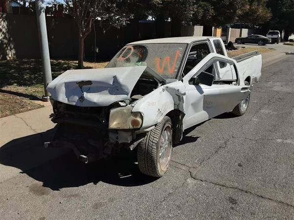 Photo PARTING OUT 2001 NISSAN FRONTIER  AUTO PARTS  - $1 (Rancho Cordova)